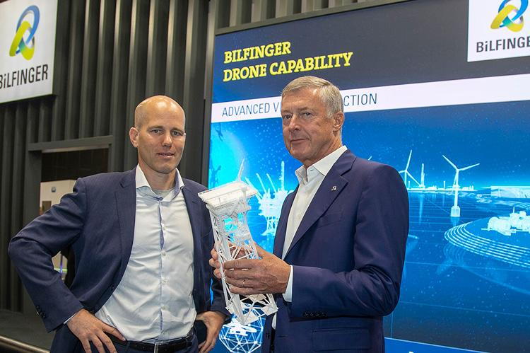 Akselos CEO Thomas Leurent (left) and Bilfinger CEO Tom Blades (right) at Offshore Europe 2019. (copyright Bilfinger)