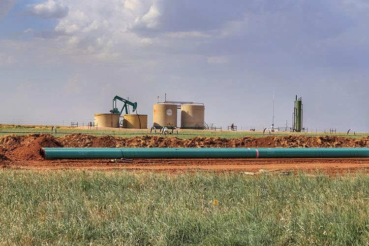 Permian Basin oil and gas pipeline construction (copyright by Shutterstock/G B Hart)