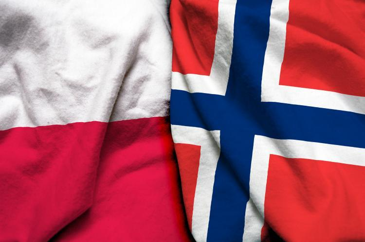 Poland and Norway flag together (copyright by Shutterstock/Aritra Deb)