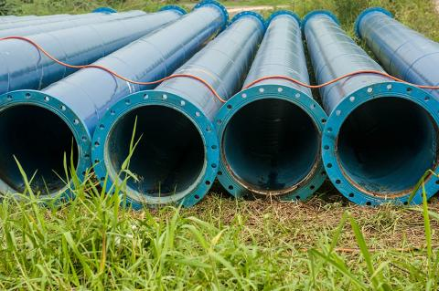 Water Pipeline Being Planned in Ireland (Shutterstock / somsak suwanput)