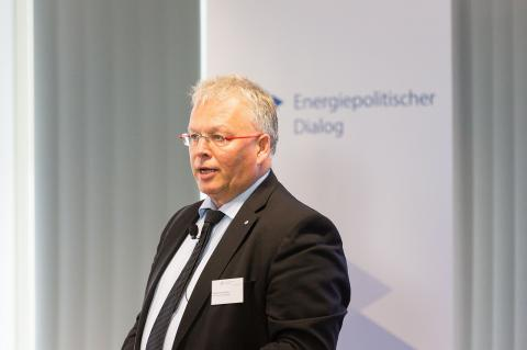 Stephan Kamphues, Chairman of the Board of Management of Open Grid Europe speaking at 3rd Energy Policy Dialogue in Essen (© 2016 Open Grid Europe)