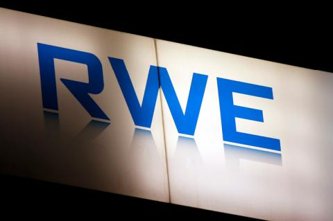 The logo of the brand RWE (copyright by Shutterstock/360b)
