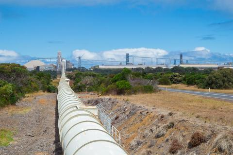 New Gas Pipelines Planned for Australia (Nils Versemann / Shutterstock)