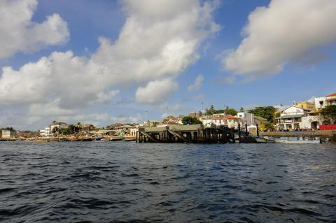 The town of Lamu with its expanding port will be the final destination of the new pipeline (Authentic travel / Shutterstock)