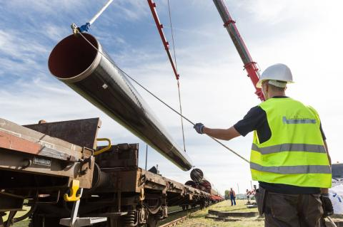 The train brings EUGAL pipes to selected train stations (Copyright: EUGAL)