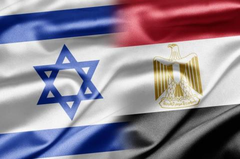 Israel and Egypt flag (copyright by Shutterstock/ruskpp)