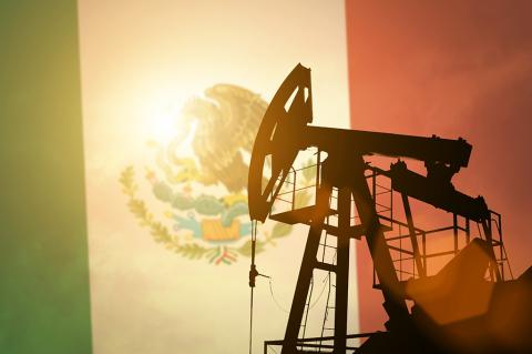Private Companies Permitted to Transport Refined Products in the Vibrant Mexican Market (Anton Watman / Shutterstock)