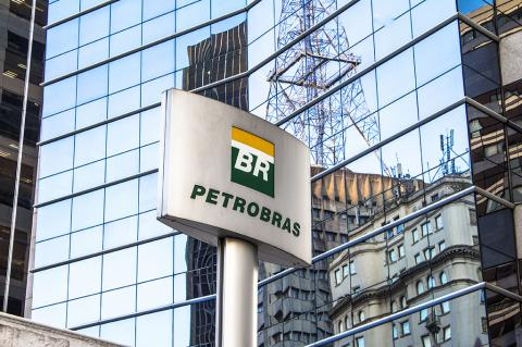 Petrobras to sell pipeline unit to Engie for $8.6 billion (Alf Ribeiro / Shutterstock)