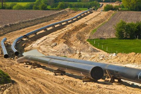 The Year Ends With a Flurry of Pipeline Construction in the US (Copyright by Reinhard Tiburzy / Shutterstock)