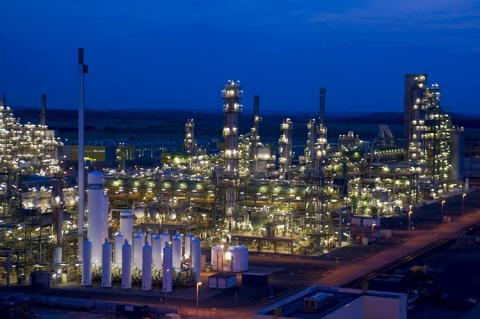 Refinery (copyright by TOTAL)