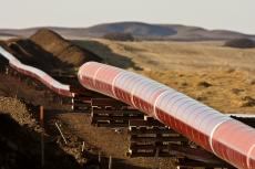 Pipes for natural gas pipelines (copyright bv Shutterstock/Pictureguy)