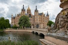 Schwerin castle, seat of federal state parliament of Mecklenburg-Vorpommern (copyright by Shutterstock/Simon Maas)